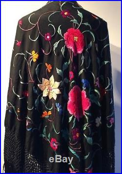 ANTIQUE 1920-30s BRIGHTLY EMBROIDERED BLACK PIANO SHAWL LONG KNOTTED 17 FRINGE