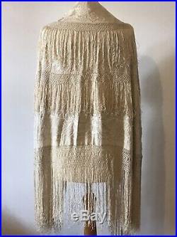 Beautiful Antique Chinese Silk Embroidered Cream/Ivory Shawl Vintage Wedding