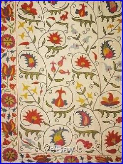 Uzbek suzani the vines of flowers Samarkand pattern. Handmade 100% silk